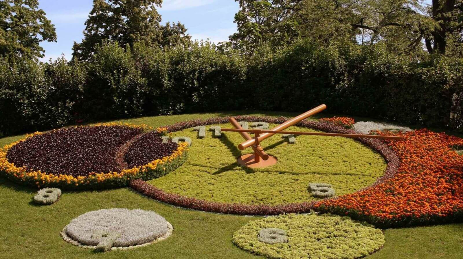 Flower clock or horloge Fleurie