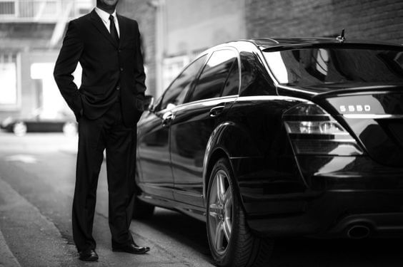 Travel around Zug with professional chauffeurs